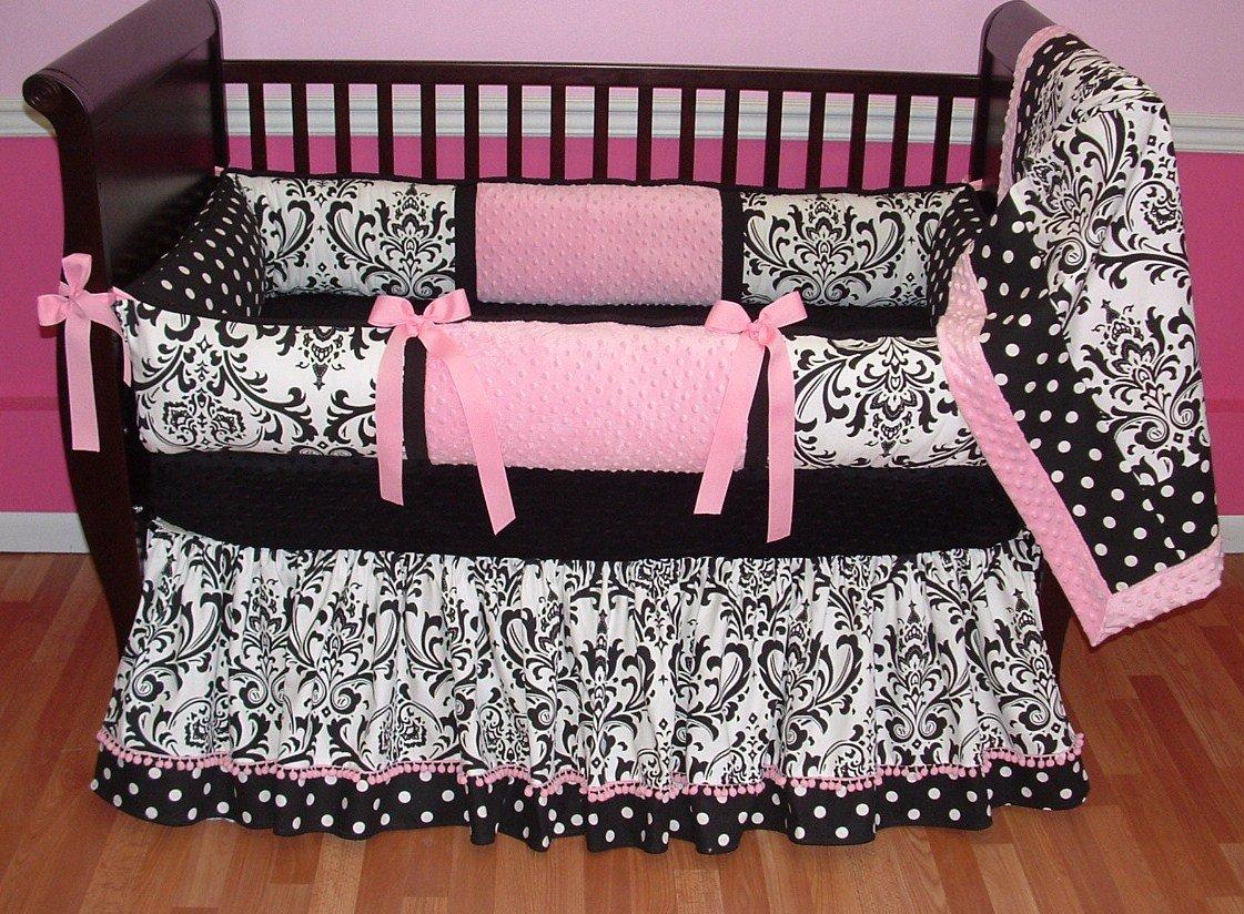 ... ha elősegíthetjük a nyugodt alvást megfelelő anyagú és színű  ágyneművel. Az élénk árnyalatok és harsány színek folyamatosan ingerlik az  agyat b2d9265c24